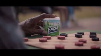 Extra Refreshers Gum TV Spot, 'Max & Bill: Introduction' Song by Jacob Banks - Thumbnail 5