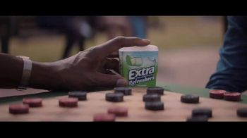 Extra Refreshers Gum TV Spot, 'Max & Bill: Introduction' Song by Jacob Banks - Thumbnail 6
