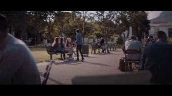 Extra Refreshers Gum TV Spot, 'Max & Bill: Introduction' Song by Jacob Banks - Thumbnail 8