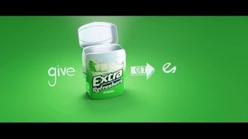 Extra Refreshers Gum TV Spot, 'Max & Bill: Introduction' Song by Jacob Banks - Thumbnail 9