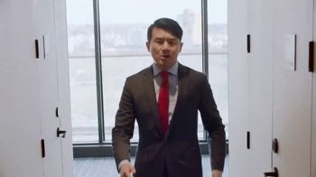 Hotels.com TV Spot, 'Comedy Central: Influencer' Featuring Ronny Chieng