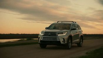 2019 Toyota Highlander TV Spot, 'Best Seats in the House' [T1] - Thumbnail 4