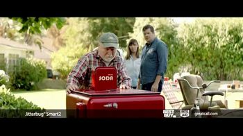 GreatCall Jitterbug Smart2 TV Spot, 'Father's Day: Yard Sale' Featuring John Walsh - Thumbnail 5