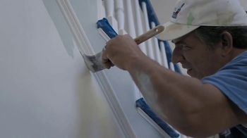 Lowe's Father's Day Sale TV Spot, 'Do It Right: Valspar Paint' - Thumbnail 2