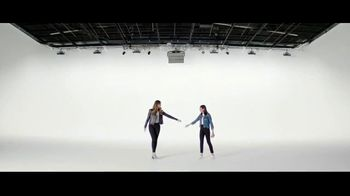 Verizon TV Spot, 'Yousafzai Sisters' - Thumbnail 5