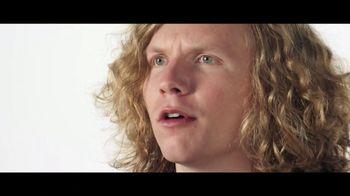 Verizon TV Spot, 'Blake and Chris: iPhone XR on Us' - Thumbnail 3
