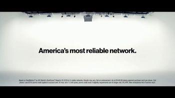 Verizon TV Spot, 'Blake and Chris: iPhone XR on Us' - Thumbnail 7