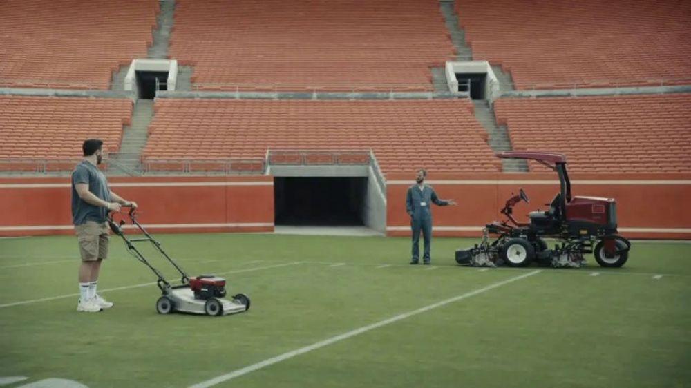 Progressive TV Commercial, 'Baker Mayfield Mows His Lawn'
