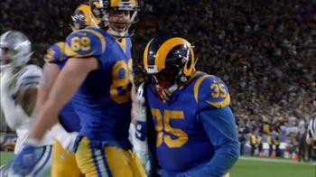 Pizza Hut $5'N Up Lineup TV Spot, 'Hut of the Week: Cowboys vs. Rams' - Thumbnail 5