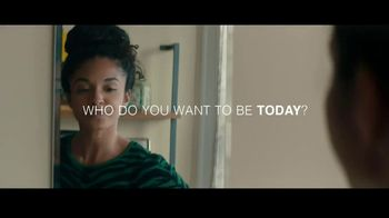 Macy's TV Spot, 'Be Remarkable' Song by Lizzo - Thumbnail 2