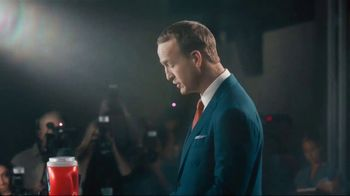 Tide PODS Ultra OXI  TV Spot, 'The NFL Apologizes. Laundry Night Is Any Other Night.' Featuring Peyton Manning - Thumbnail 4