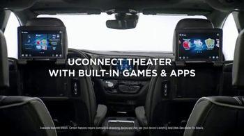Chrysler 10 Days to Deal TV Spot, 'Talking Van: Doesn't Suck' [T2] - Thumbnail 7