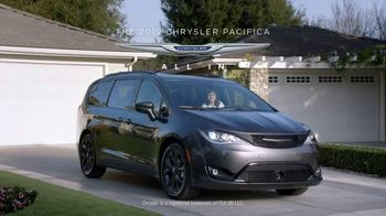 Chrysler 10 Days to Deal TV Spot, 'Talking Van: Doesn't Suck' [T2] - Thumbnail 8
