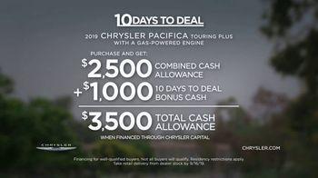 Chrysler 10 Days to Deal TV Spot, 'Talking Van: Doesn't Suck' [T2] - Thumbnail 9