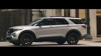 2020 Ford Explorer TV Spot, 'Kellee Edwards Explores Chicago' Featuring Kellee Edwards [T1] - Thumbnail 8