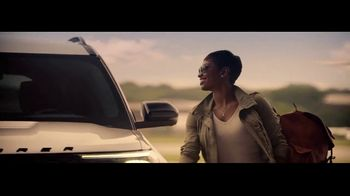 2020 Ford Explorer TV Spot, 'Kellee Edwards Explores Chicago' Featuring Kellee Edwards [T1] - Thumbnail 9