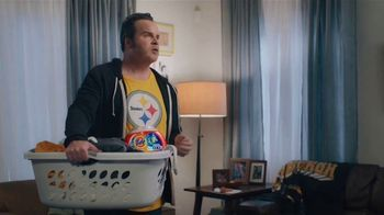 Tide PODS Ultra OXI TV Spot, 'Peyton Manning Declares Tuesday the Official Laundry Night' - Thumbnail 3