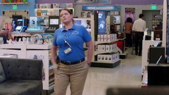 Tide TV Spot, 'Superstore: Wait.' Feat. Peyton Manning, Lauren Ash, Mark McKinney - Thumbnail 2