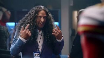 Head & Shoulders TV Spot, 'Offense vs. Defense' Featuring Pat Mahomes, Troy Polamalu - Thumbnail 3