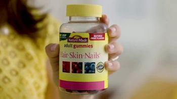 Nature Made Gummies TV Spot, 'Selfies' - Thumbnail 4