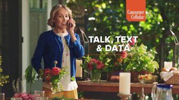 Consumer Cellular TV Spot, 'Sunday Dinner: First Month Free'
