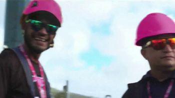 T-Mobile TV Spot, 'La señal más potente' canción de George Michael [Spanish]