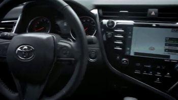 2019 Toyota Camry TV Spot, 'Road Trip: Seafood' Featuring Danielle Demski, Ethan Erickson [T2] - Thumbnail 3