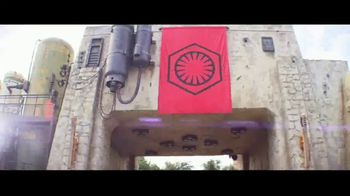Disneyland TV Spot, 'Disney Junior: Star Wars: Galaxy's Edge' - Thumbnail 1
