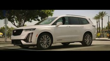 Cadillac XT6 TV Spot, 'Crew' Featuring Joel Klatt, Gus Johnson [T1] - Thumbnail 3