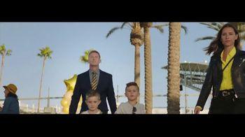 Cadillac XT6 TV Spot, 'Crew' Featuring Joel Klatt, Gus Johnson [T1] - Thumbnail 4