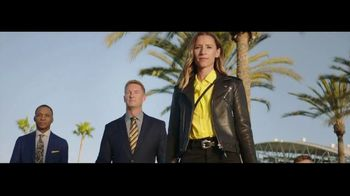 Cadillac XT6 TV Spot, 'Crew' Featuring Joel Klatt, Gus Johnson [T1] - Thumbnail 5