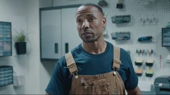 Lowe's TV Spot, 'Shelf Town' Featuring Chris Simms and Rodney Harrison - Thumbnail 6