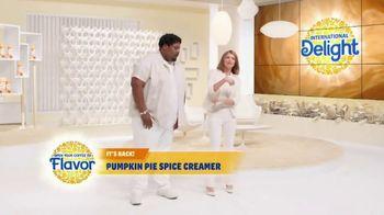 International Delight Pumpkin Pie Spice Creamer TV Spot, 'Creamer Case'