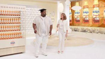 International Delight Pumpkin Pie Spice Creamer TV Spot, 'Creamer Case' - Thumbnail 6
