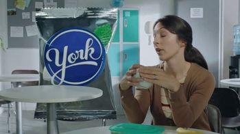YORK Peppermint Pattie TV Spot, 'Tammy: York Mode' - Thumbnail 2