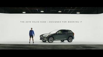 2019 Volvo XC60 TV Spot, 'Jogger' [T2] - Thumbnail 6