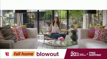 Overstock.com Fall Home Blowout Sale TV Spot, 'Table Runner' - Thumbnail 7