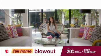 Overstock.com Fall Home Blowout Sale TV Spot, 'Table Runner' - Thumbnail 8
