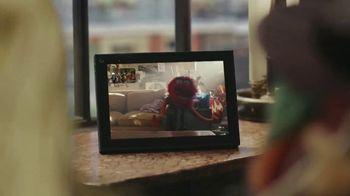 Portal from Facebook TV Spot, 'A Very Muppet Portal Launch' - Thumbnail 6
