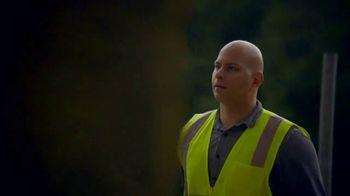 GMC TV Spot, 'Heroes Among Us: Safe Passage' [T1] - Thumbnail 4