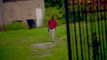 GMC TV Spot, 'Heroes Among Us: Safe Passage' [T1] - Thumbnail 5