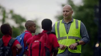 GMC TV Spot, 'Heroes Among Us: Safe Passage' [T1] - Thumbnail 6
