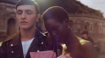 Valentino Fragrances TV Spot, 'Born in Roma' Featuring Adut Akech, Anwar Hadid - Thumbnail 8