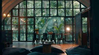 Airbnb TV Spot, 'Host Chorus' - Thumbnail 6