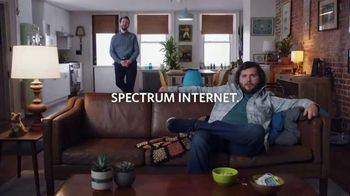 Spectrum Internet TV Spot, 'Housemates: Tweed' - Thumbnail 9