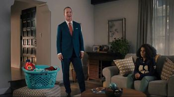 Tide TV Spot, 'Laundry Night on NFL Sunday? Peyton Manning Knows You're Better Than This' - Thumbnail 7