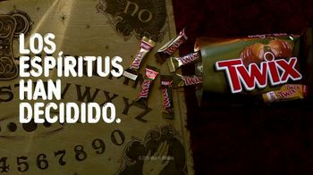 Twix TV Spot, 'Tabla güija' [Spanish] - Thumbnail 9