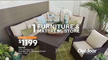 Ashley HomeStore Stars & Stripes Outdoor Event TV Spot, 'Dining and Entertaining' - Thumbnail 10