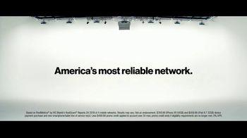 Verizon TV Spot, 'Blake and Chris: iPhone XR and iPad' - Thumbnail 9