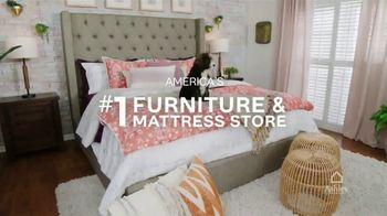 Ashley HomeStore Stars & Stripes Mattress Event TV Spot, 'Zero Percent Interest' Song by Midnight Riot - Thumbnail 5